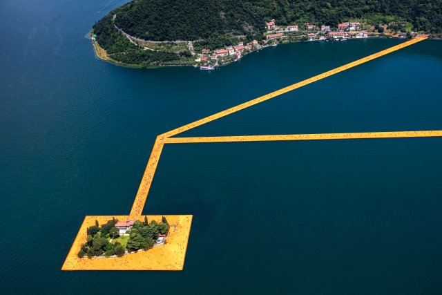 The Floating Pears by Christo in Italy