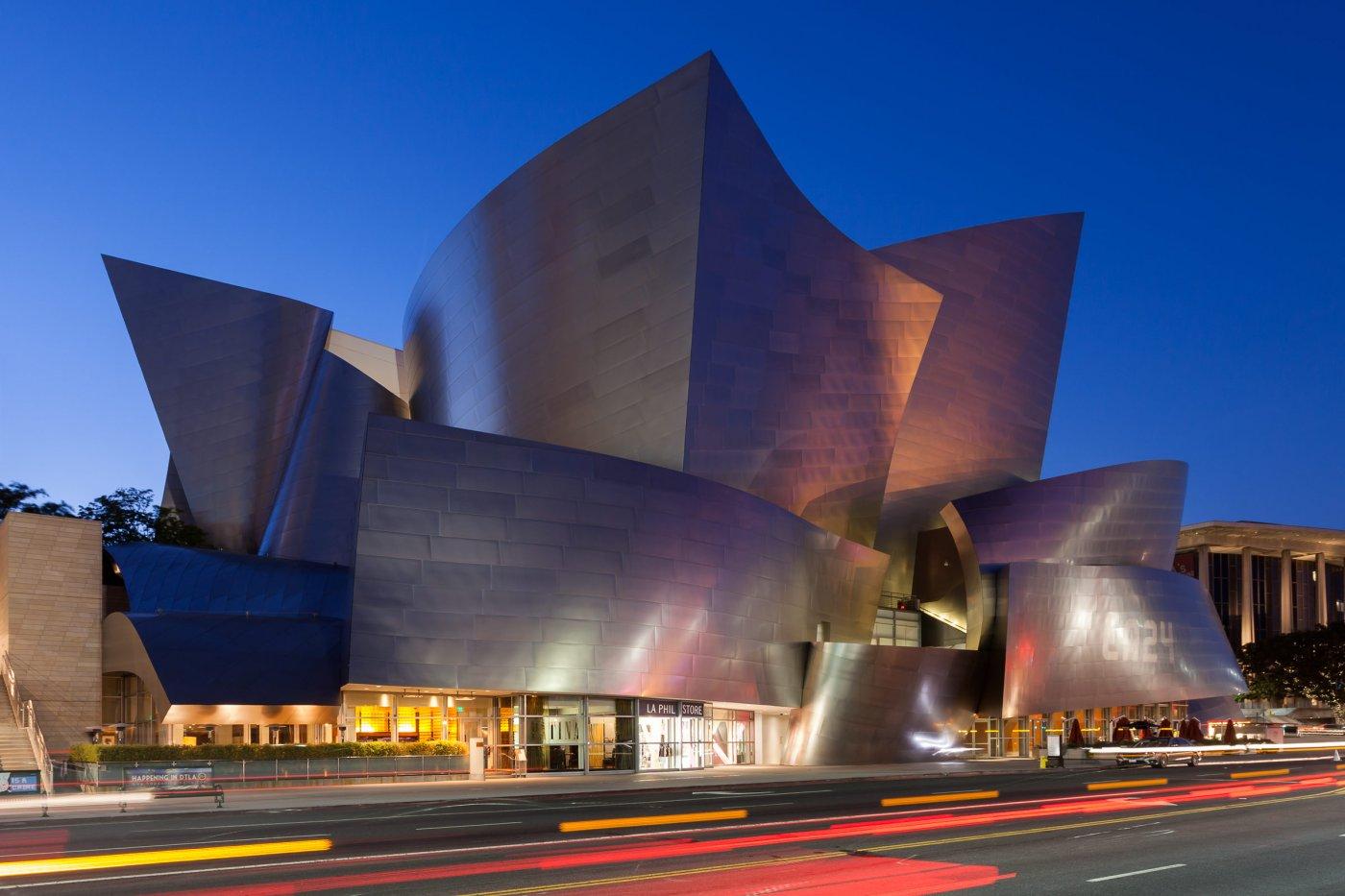 Walt Disney Concert Hall bei Abenddämmerung, Los Angeles