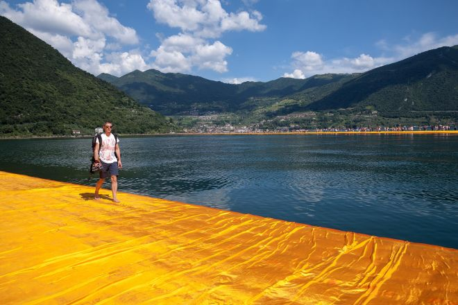 Walking on Water, Lago d'Iseo
